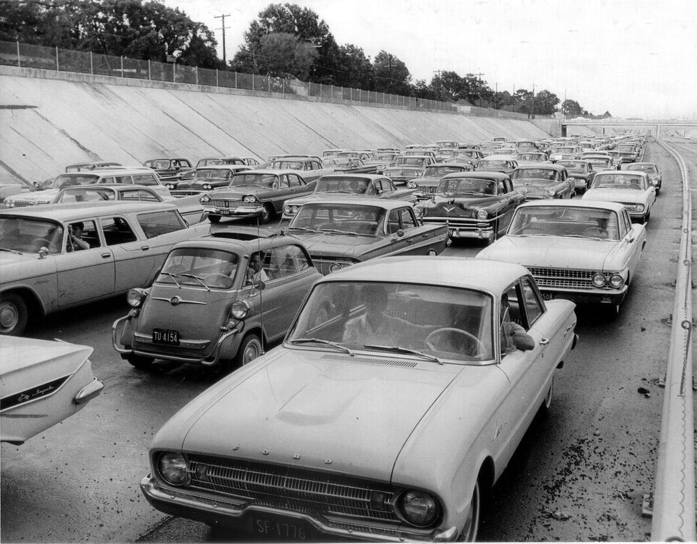 Us59_trench_traffic_jam_1962